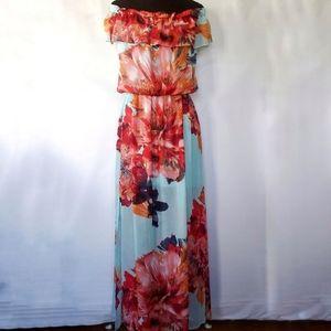 **50%off** Bisou Bisou off shoulder floral dress